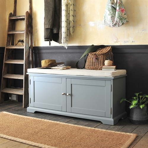 Shoe bench stunning convenience concepts oxford wood utility mudroom bench with shoe storage for Images of couch for hall rennes